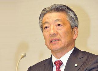昭和シェル石油と出光「対等合併」へ