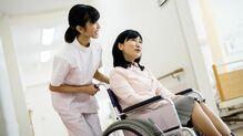 病気や怪我で、障害年金はどのくらい出るのか