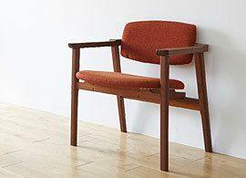 正しい座り方は、「背筋ピン」ではなく「お尻をグイッ」