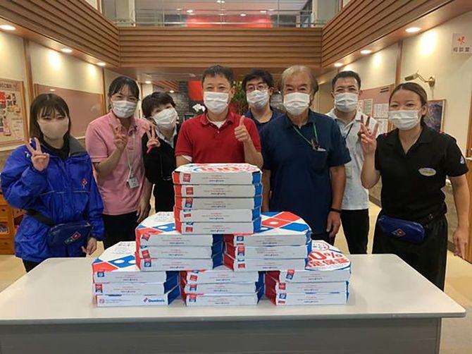 2020年4月から実施している「無料ピザで地域支援」。これまでに累計40万4531枚のピザを介護施設や医療機関などへ無料で届けているという