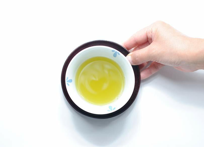 「出されたお茶」は飲み干したほうがいい 残っていると、下げる人が大変