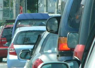 渋滞発生の境界は「車間距離40m」?