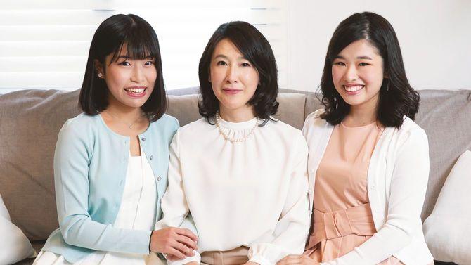 母親の小林聖子さんと2人の娘、香音さんと絵美里さん