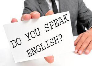 日本人どうしで英語を話すのは恥...