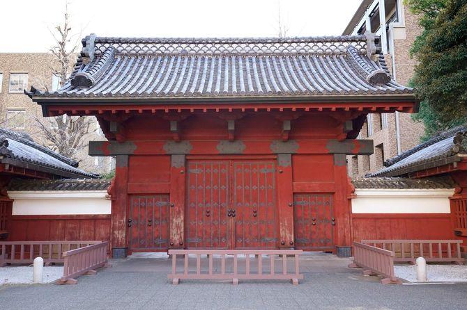 東京大学・本郷キャンパスの赤門(東京都文京区)