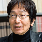 <strong>土屋賢二</strong>●1944年、岡山県生まれ。東京大学文科一類に入学し文学部哲学科を卒業。現在、お茶の水女子大学教授。論理的かつナンセンスなユーモアエッセイの書き手としても孤高の地位を占める。最新刊『ツチヤの貧格』。