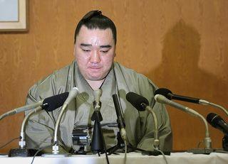 日馬富士に同情する人はすぐに目を覚ませ