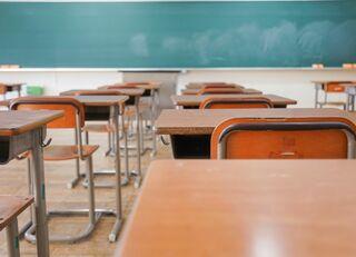公立小中に4万人いる常勤講師の差別待遇