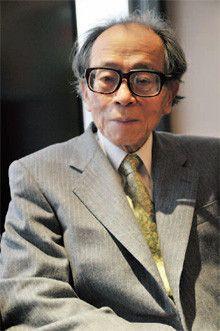<strong>外山滋比古</strong>●とやま・しげひこ 1923年、愛知県生まれ。文学博士、評論家。東京文理科大学英文科卒業。昭和女子大学教授を経てお茶の水女子大学名誉教授。教職のかたわら、雑誌「英語青年」「英語文学世界」を編集。著書に『思考の整理学』『忘却の整理学』など多数。