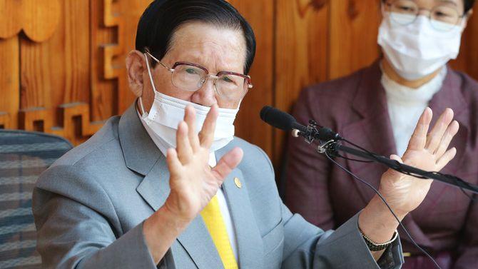 韓国の新興宗教団体「新天地イエス教会」の教祖、イ・マニ総会長(88)