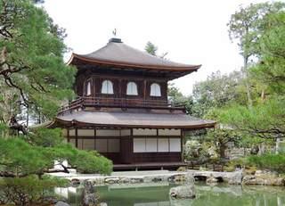 外国人の疑問「銀閣寺が銀色じゃない!」