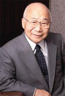 <strong>新日本石油 渡 文明会長</strong>●1936年生まれ。60年、日本石油(現・新日本石油)に入社。新潟製油所を経て、営業畑一筋に歩む。副社長だった99年、三菱石油との企業合併を経験。2000年、社長に就任。05年から現職。03年から08年までは石油連盟会長を、06年からは日本経団連の副会長も務める。