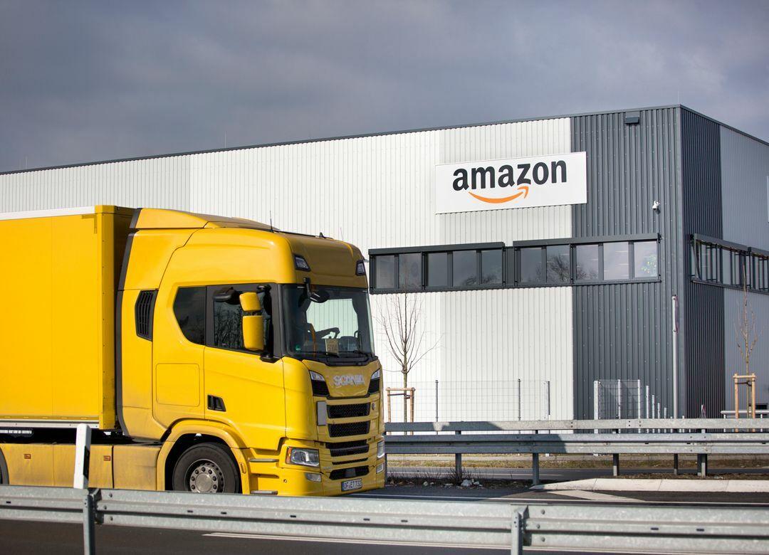 なぜアマゾン倉庫内の写真は出回らないか 「無人の倉庫」に感じる不安の正体