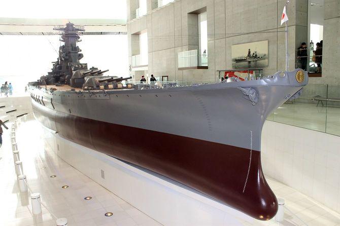 大和の建造は「時代遅れ」の判断だったのか――大和ミュージアム(呉市海事歴史科学館)にある、全長26.3メートルに及ぶ戦艦「大和」の模型(10分の1スケール)。(撮影=2013年1月3日)