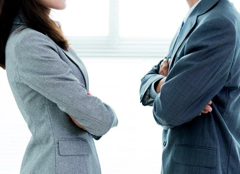管理職の本音は「女性部下はやりづらい」 ランチや飲み会にも誘いづらい…