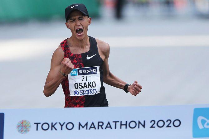 2020 東京マラソン ゴール 大迫が日本新=2020年3月1日撮影