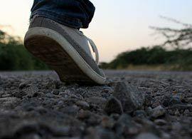 糖尿病を防ぐ秘策、「けり出し歩き」とは?