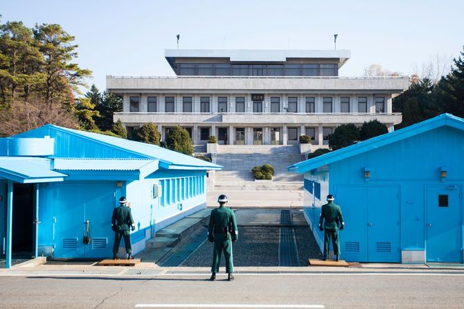2012年11月14日、韓国の非武装地帯にある板門店