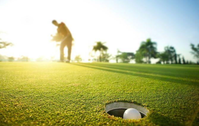 朝のゴルフ