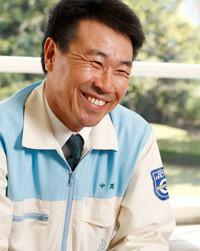 """部下に""""技術でメシを食う""""という意識が芽生えた<br> <strong>和歌山工場地区サービスセンター安全●中尾 宏さん</strong><br> 1956年生まれ。栗垣さんをテクノスクールに派遣した上司。栗垣さんについて、「最近シャキッとしてきました」。"""