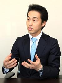 <div>曽山哲人氏</div>