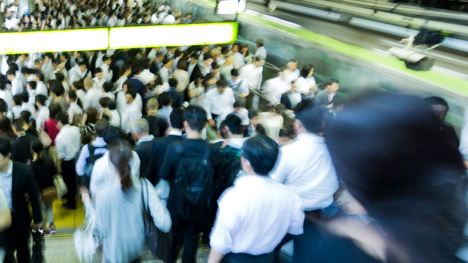 コロナ禍でも、なぜ中国人は日本の満員電車に「感動している」のか 欧米に同情できないが、日本は別だ!
