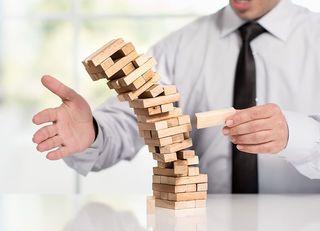 社員が頭を使わない、ダメ会社の4大特徴