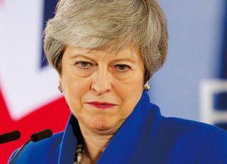 任務に忠実すぎる英メイ首相の七転八倒
