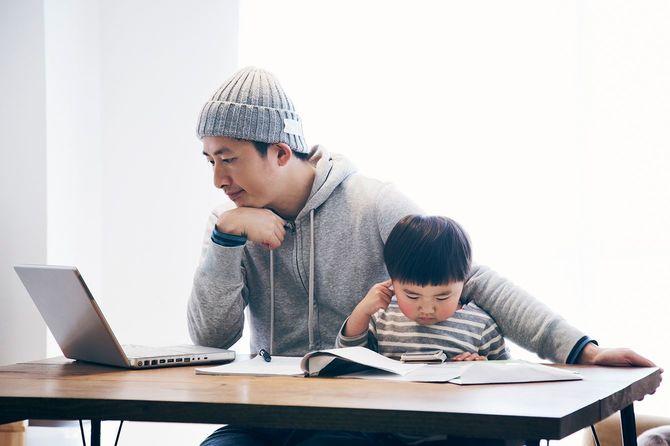 在宅勤務の息子と父