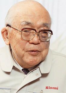 <strong>内藤明人●リンナイ会長</strong><br>1926年生まれ。48年東京大学工学部卒業後、父親が創業した林内製作所(現在のリンナイ)に入社。66年に社長、2001年に会長に就任する。また、日本青年会議所副会頭、名古屋商工会議所副会頭、日本ガス石油機器工業会会長など数々の要職も歴任している。